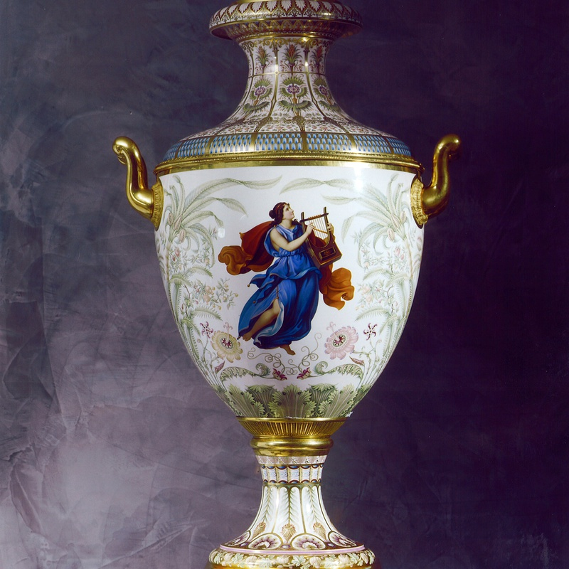 K.P.M. Königliche Porzellan-Manufaktur, Berlin - A Classical Munich Vase Sorte No 4, made by the Royal Berlin Porcelain Manufactory