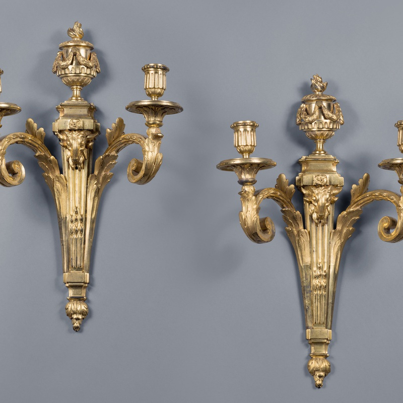 Jean-Charles Delafosse (in the style of) - A pair of Louis XVI two-light wall-lights in the style of Jean-Charles Delafosse, Paris, date circa 1770